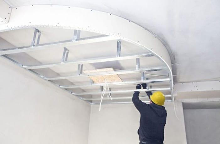 Comment inspecter les faux plafonds ?