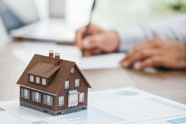 Quelle est la meilleure formation pour devenir Diagnostiqueur immobilier ?